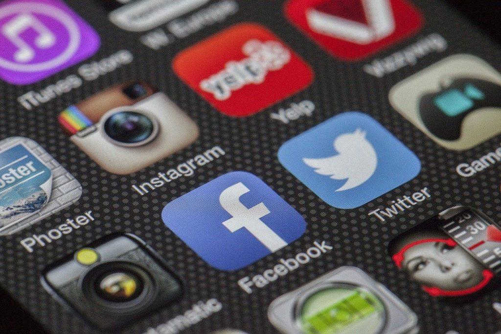 Il s'en passe des choses en ce moment sur les réseaux sociaux !